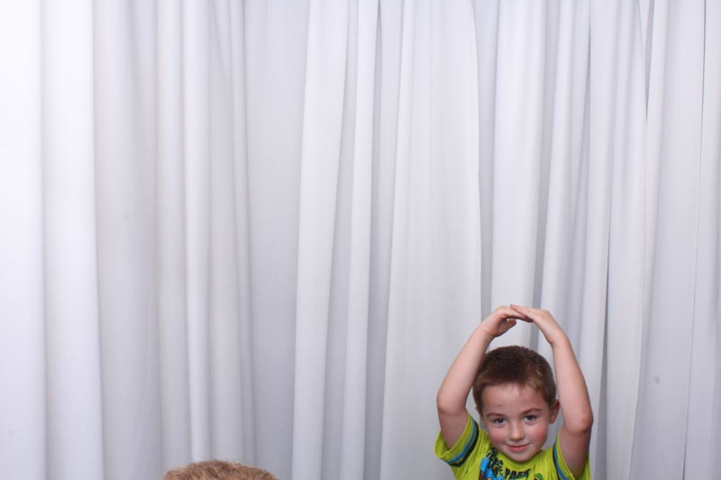 vano-photo-booth-570.jpg