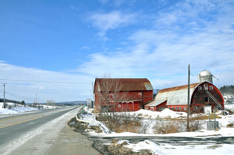 Red Barn on Hwy 03.jpg