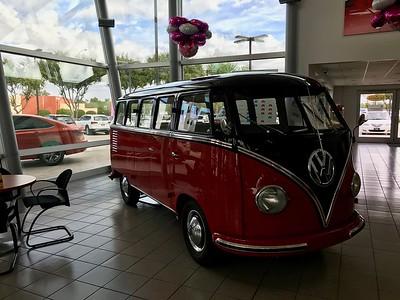 Classic VWs @ Berge VW  in Gilbert, AZ