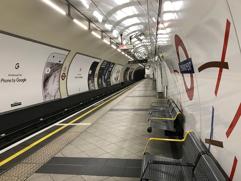 Typical Underground platform. You never have to wait more than 3 minutes for the next train!
