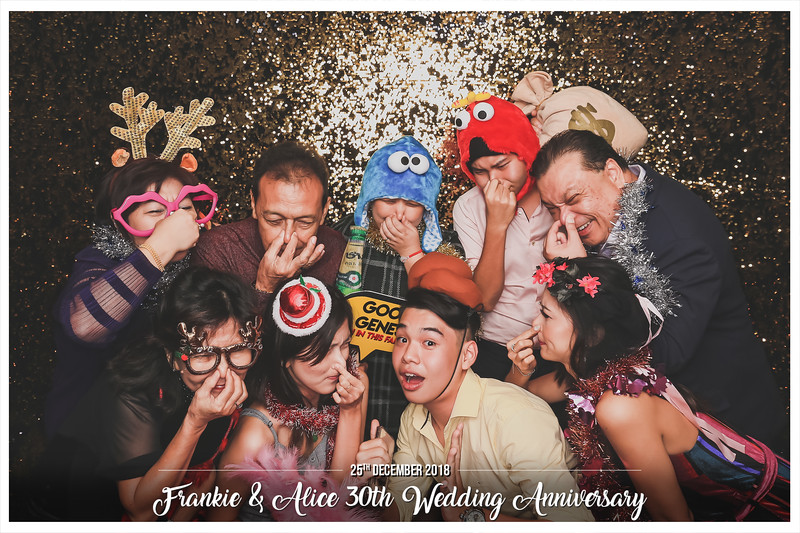 Frankie & Alice 30th Wedding Anniversary   © www.SRSLYPhotobooth.sg