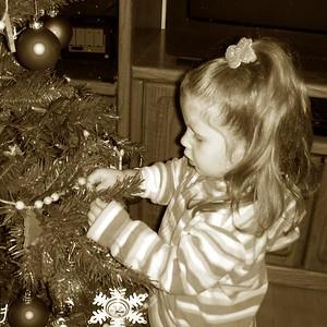 Dec 2007 - Kids Christmas Tree