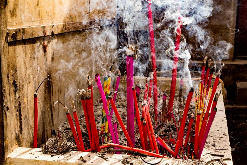 Ceremony at Temple in Dali, Yunnan, China-9830.jpg
