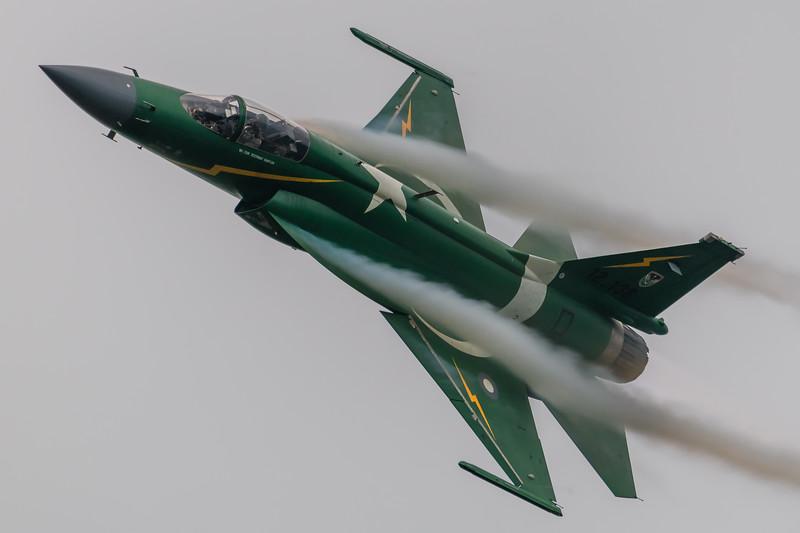 RADOM-PakAF-JF17-Vapor-kedark_D854158.jpg