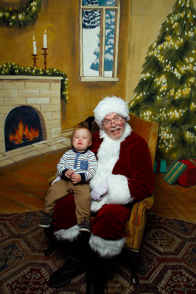 Pictures with Santa Earthbound 12.2.2017-109.jpg