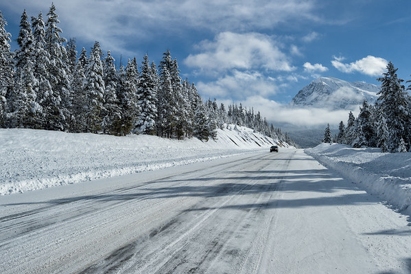 Driving on the Icefields Parkway near Athabasca Pass