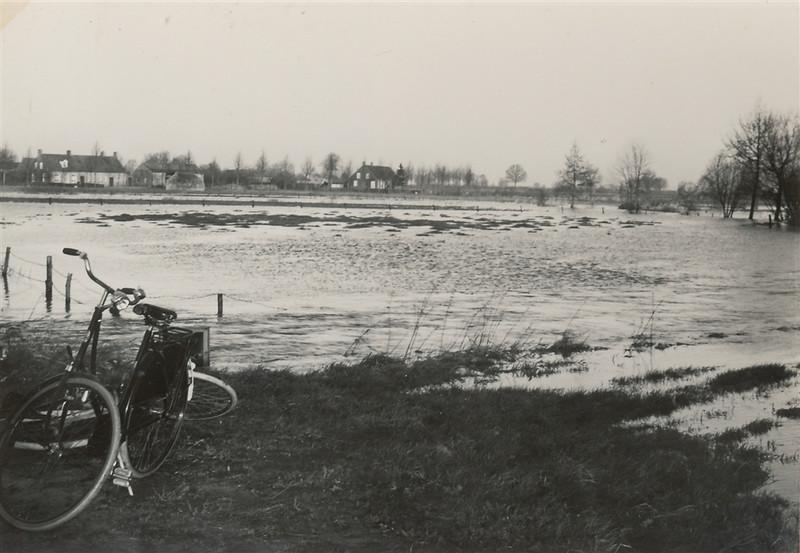 Kl Beerze overstroming 1960 Piet Henst