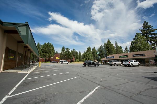 S Lake Tahoe shopping center