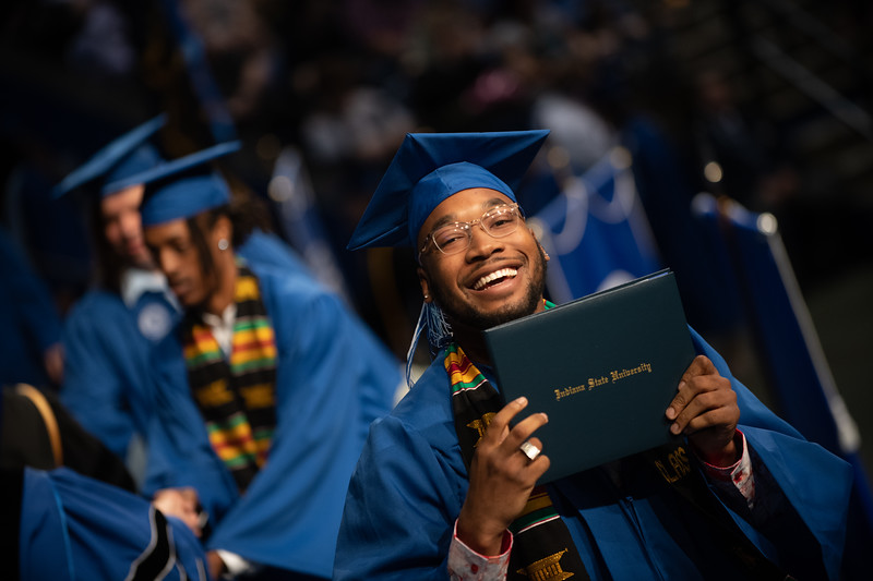 May 11, 2018 commencement -1758.jpg