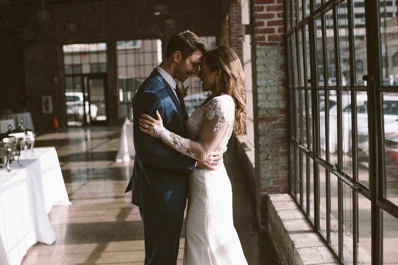 Kate&Josh_ZACH.WATHEN.PHOTOGRAPHER-690.jpg