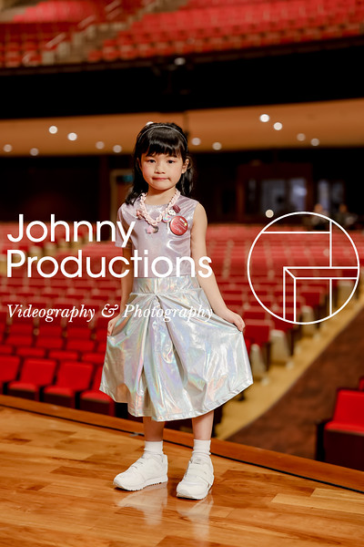 0004_day 1_orange & green shield portraits_red show 2019_johnnyproductions.jpg