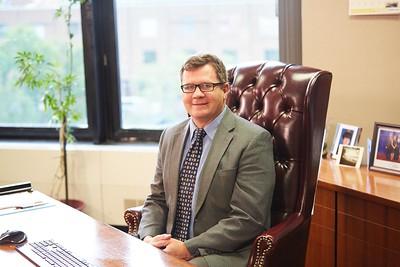 2016 UWL Alumni Mayor Tim Kabbat Lantern