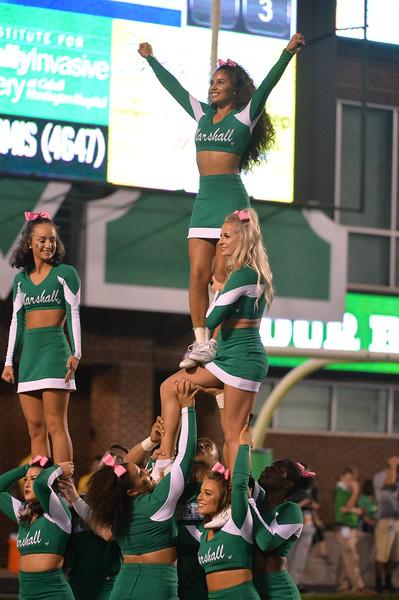cheerleaders5607.jpg