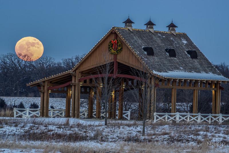 Moon Grand Chevalle Parkway January 1 2018 WM-6.jpg