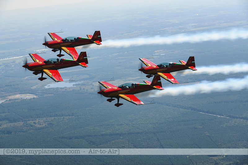 F20190914a132708_2701-Royal Jordanian Falcons-Extra 330LX-a2a.jpg