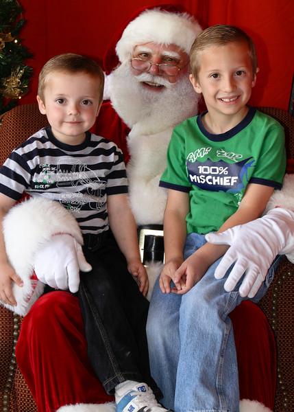 Santa Clause 11DEC2010-374Master.JPG