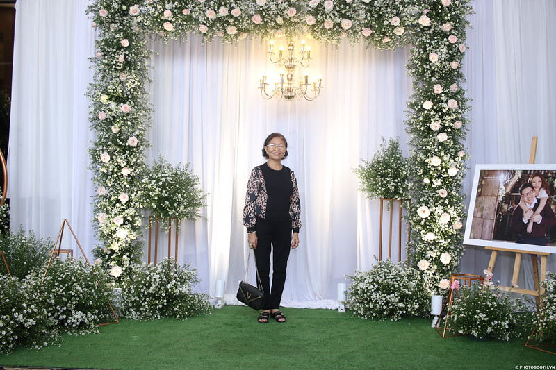 Vy-Cuong-wedding-instant-print-photo-booth-in-Bien-Hoa-Chup-hinh-lay-lien-Tiec-cuoi-tai-Bien-Hoa-WefieBox-Photobooth-Vietnam-037.jpg