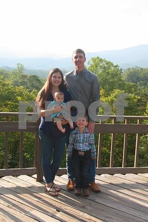 Abernathy Family 8-22-17 (Kim)