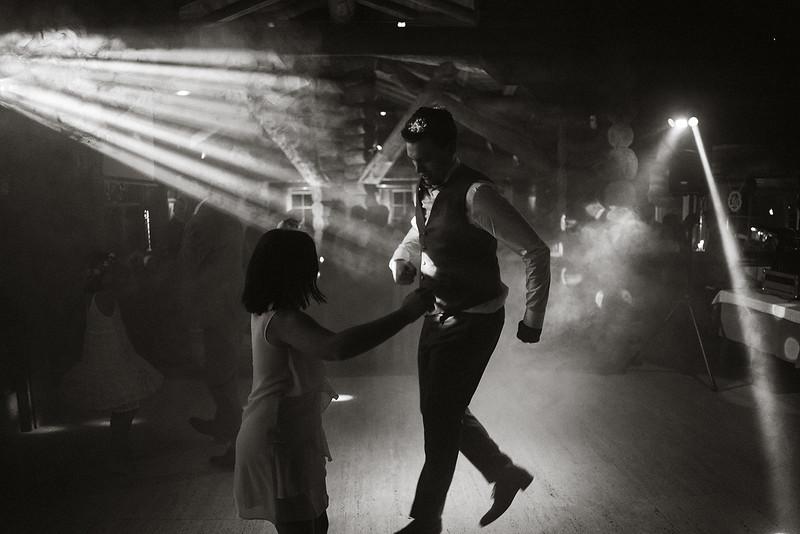 Tu-Nguyen-Destination-Wedding-Photographer-Chamonix-French-Alps-Paul-Hua-Yu-583.jpg