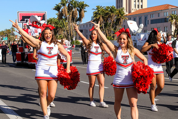 HOLIDAY BOWL PARADE2-0299.jpg