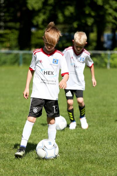 hsv_fussballschule-051_48048027482_o.jpg