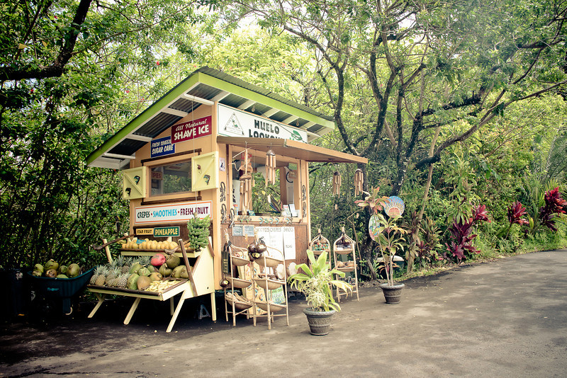 road to hana huelo lookout stand.jpg