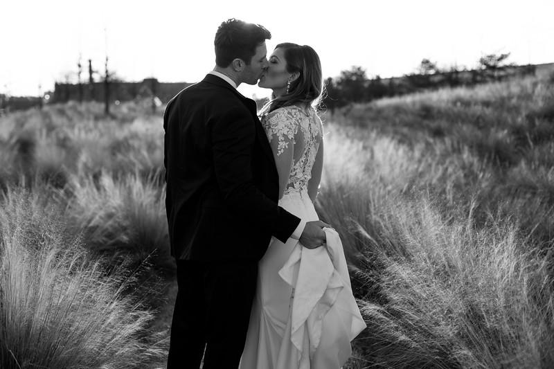 Kate&Josh_B&W_ZACH.WATHEN.PHOTOGRAPHER-433.jpg