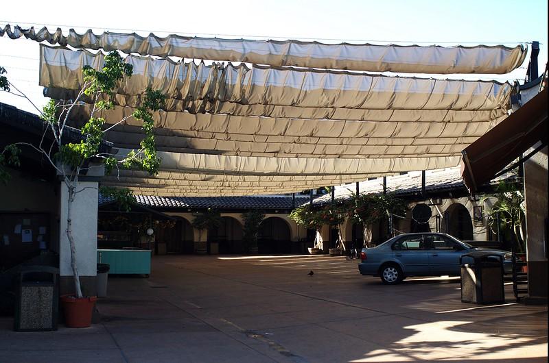 LaPlacitaChurch006-Courtyard-2006-9-27.jpg