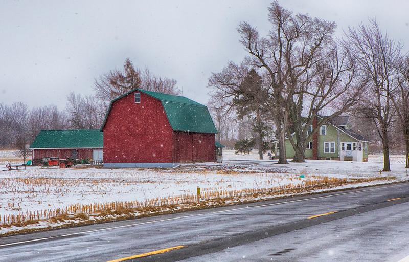 barns, snow-7194.jpg