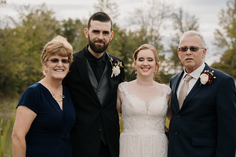 rustic_ohio__fall_barn_wedding-253.jpg