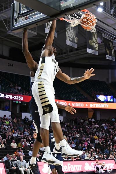 Bryant Crawford breakaway dunk 02.jpg
