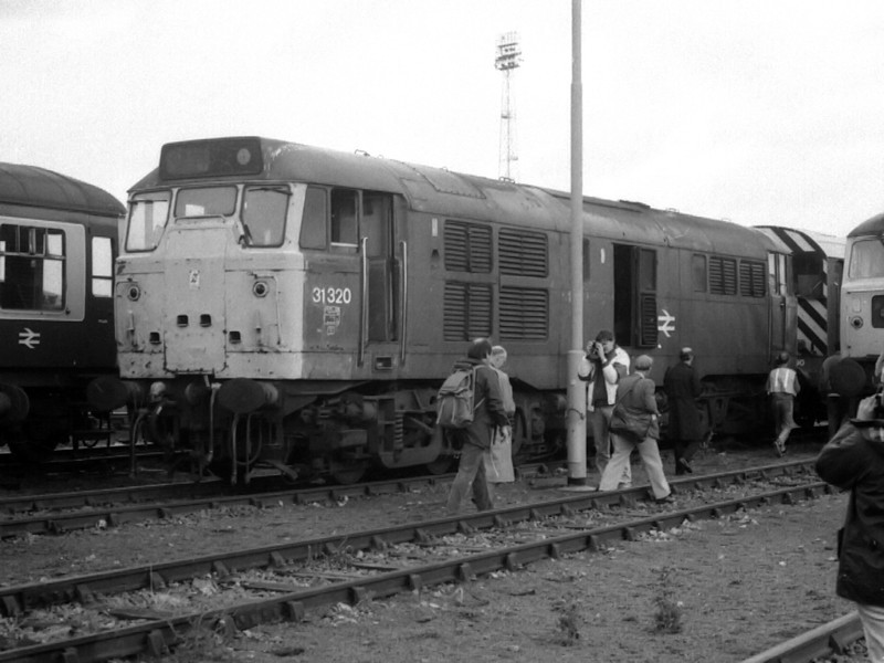 31320 receives attention from photographers at Thornaby TMD on the 19th August 1990