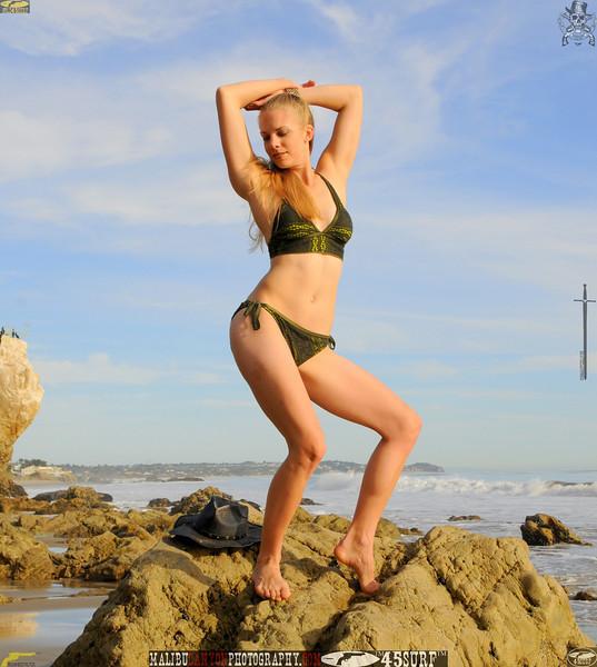matador swimsuit bikini model beautiful women 1066..00..00....jpg