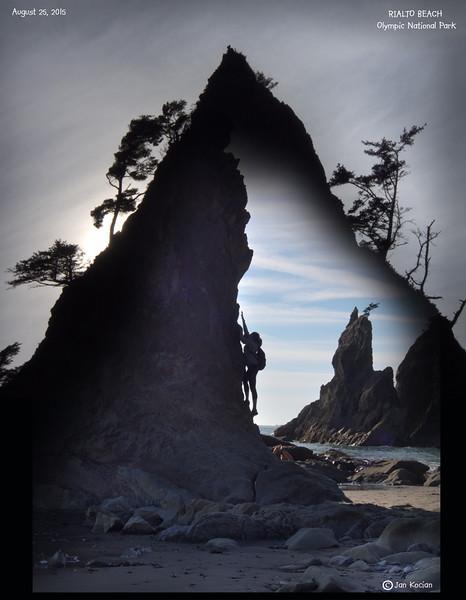 8.25.15 Rialto Beach rocks 2S .jpg