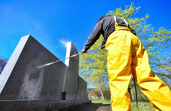 Cleaning the war memorial - 050420