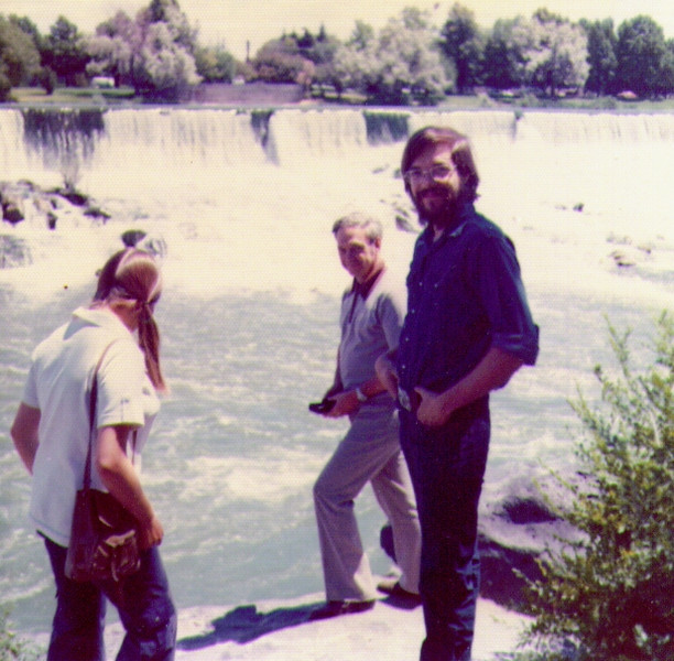 Connie,Wayne & Dave, Idaho Falls, Sep. 1973.jpg