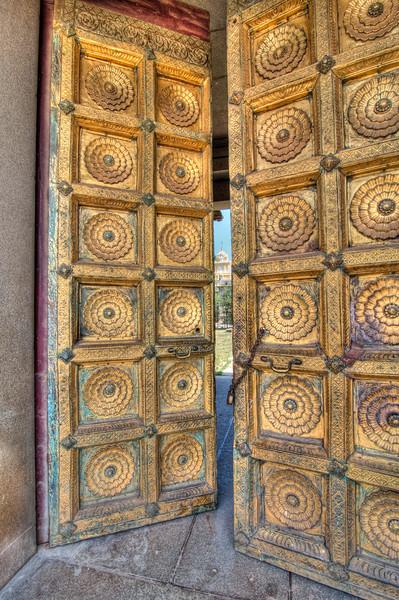 Gold_Doors-Mysore_Palace-India-1260_tonemapped.jpg