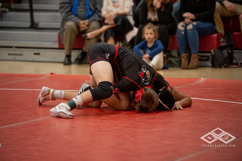 Wrestling at Granite City-09136.jpg