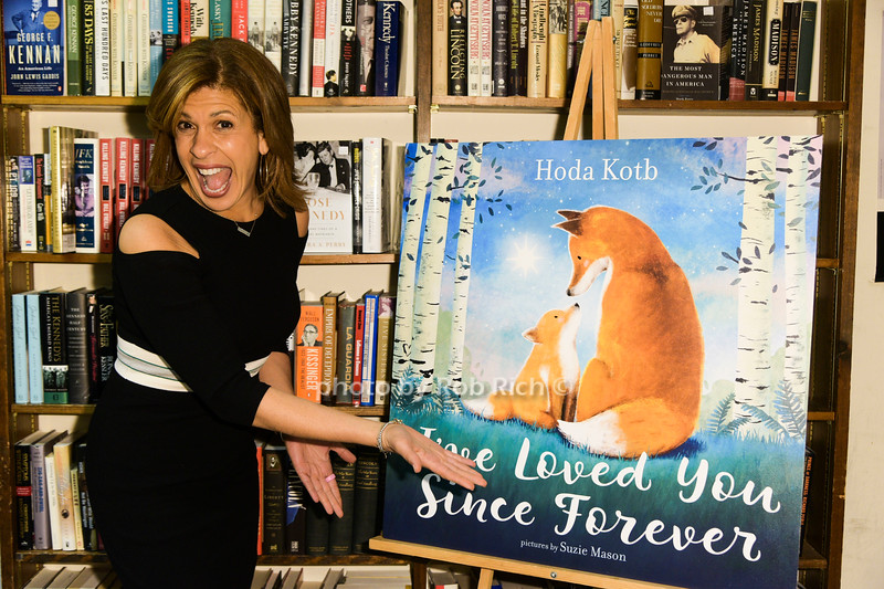 "Hoda Kotb signs copies of her new children's book "" I've Loved You Since Forever"" at Book Revue in Huntington on 3-8-18.  all photos by Rob Rich/SocietyAllure.com ©2018 robrich101@gmail.com 516-676-3939"
