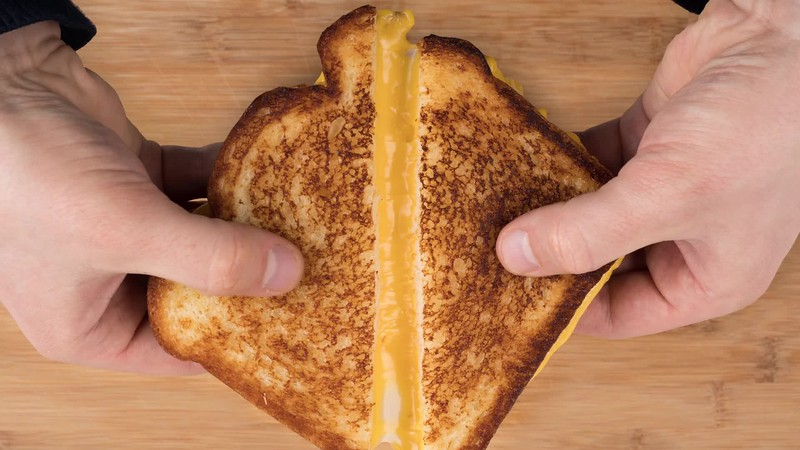 16-9 F180989 Campbells Grilled Cheese Pull Apart Photos.mp4