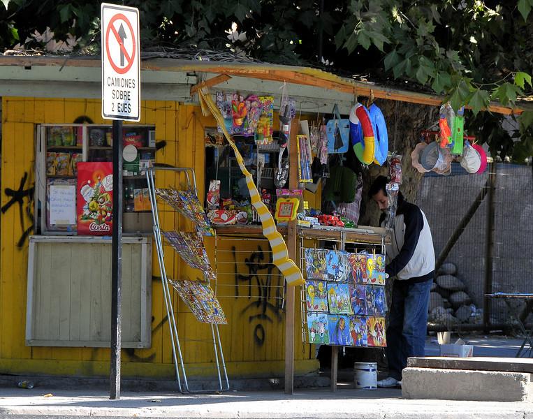 08 jan chile 3 buin sidewalk stand.jpg