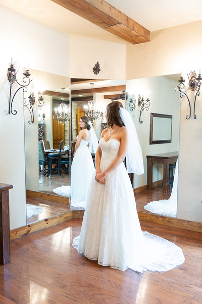 Kara_Bridal_Springs_Venue_TX-2.jpg
