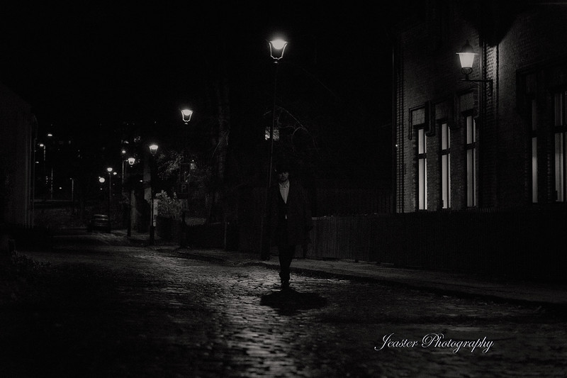 walking-down-cobbled-streets-jeaster-photography.jpg