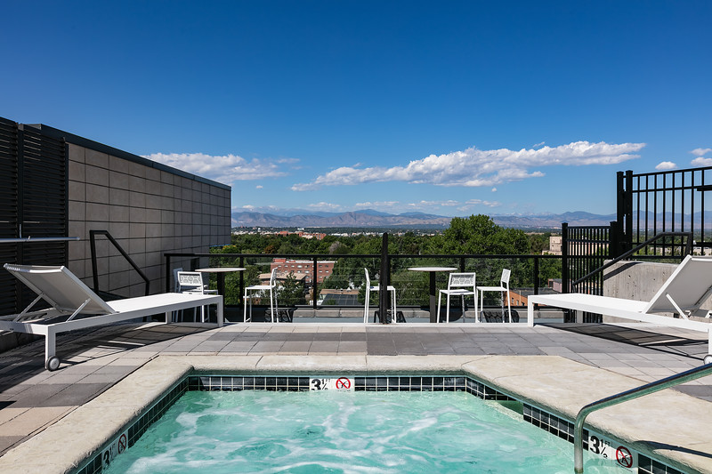 Sonder-Denver-Atelier-Amenities-HotTub.jpg
