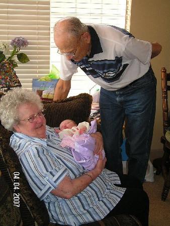 April 4_ 2007 Great grandparents and Auntie Linda visit Gracie 007.jpg