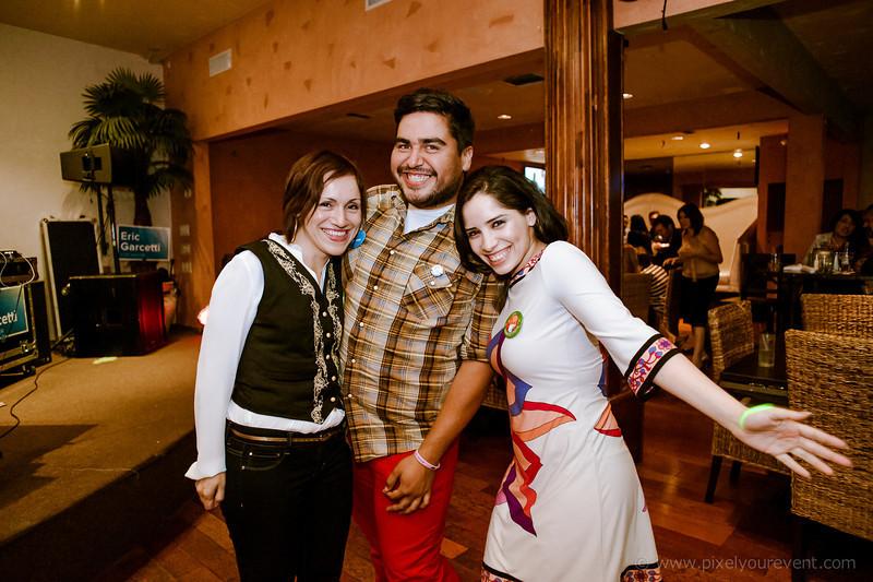 Latinos in Encino 2013