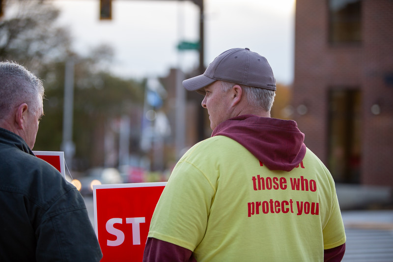 11-4-2019 Staffing Picket (100).jpg