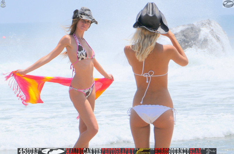 leo carillos surf's up beautiful swimsuit model 45surf 1589.,.,