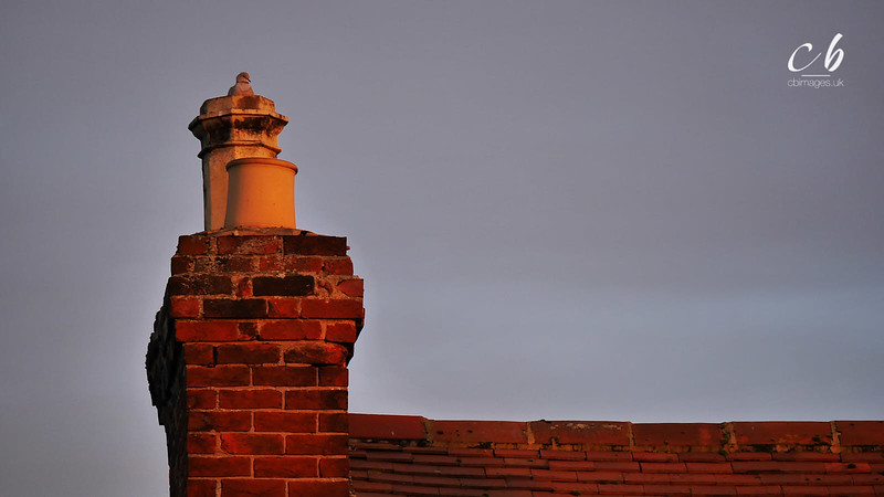 P1060441 Gamlingay chimney sunset.jpg