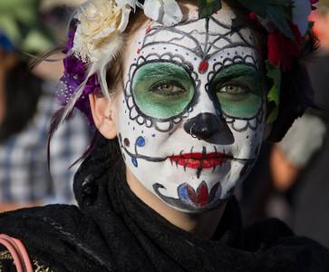 Dia de los Muertos y Marigolds 2012